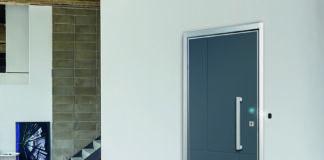 Sicurezza smart: la porta blindata comandata da app