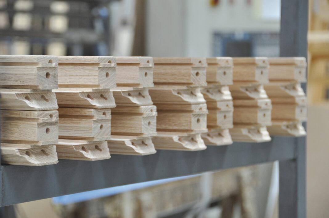 navello legno per le finestre